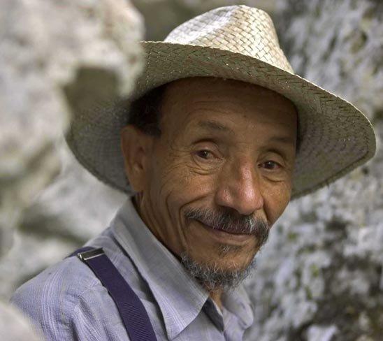 Pierre Rabhi, éco-agriculteur, candidat aux présidentielles 2012?